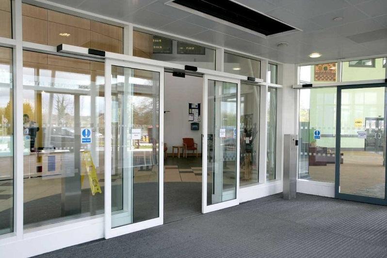 درب کشویی اتوماتیک شیشه ای بیمارستانی